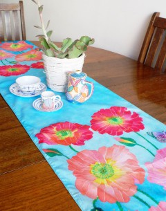 Gabby Malpas double sided table runner in 100% cotton poplin. salvia and poppies