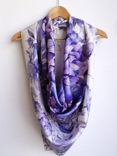 Gabby Malpas Pure Silk scarf: Blue and white: all look same